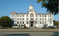 Iowa Courthouse Building in Torrance CA